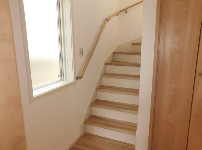A号棟・1階 階段