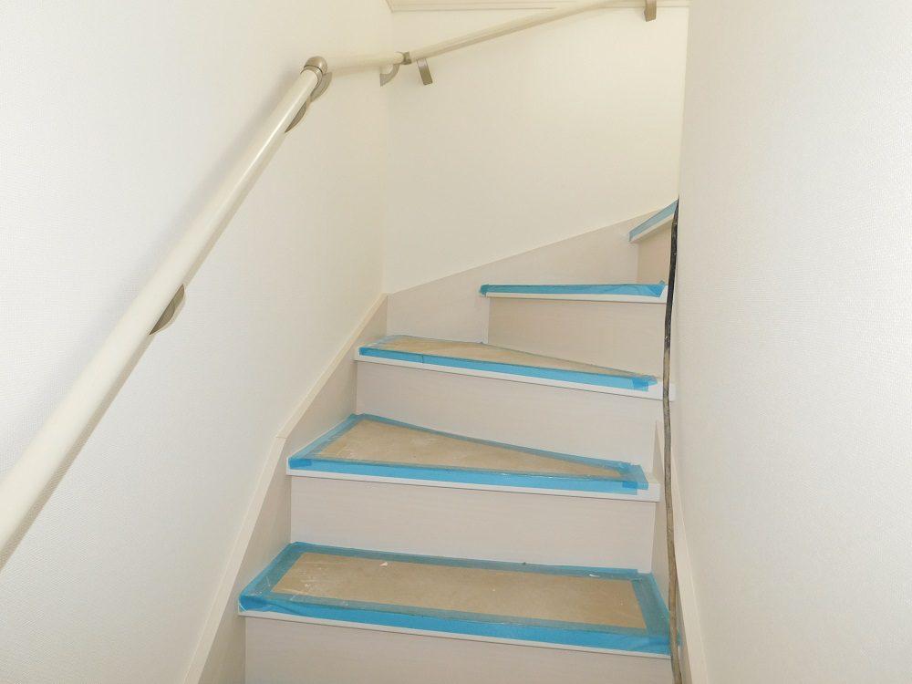 【建築中】B号棟・1階 階段