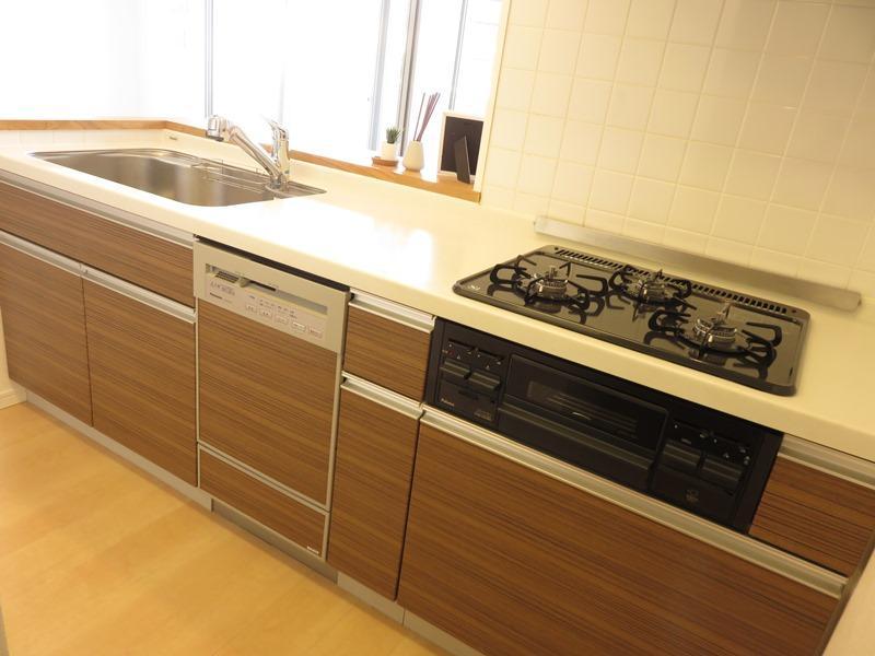 食器洗機付システムキッチン