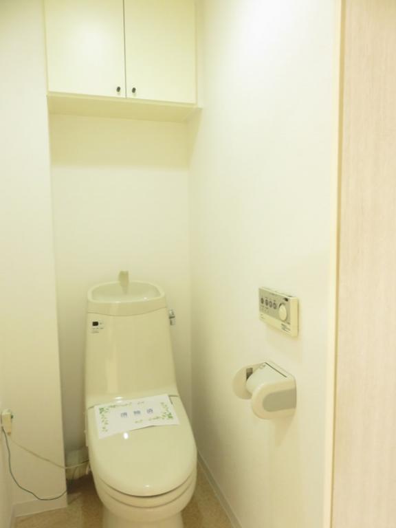 シャワー洗浄付トイレ