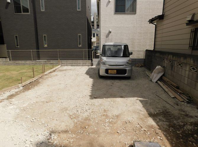 駐車スペースは3台以上停めれます♪