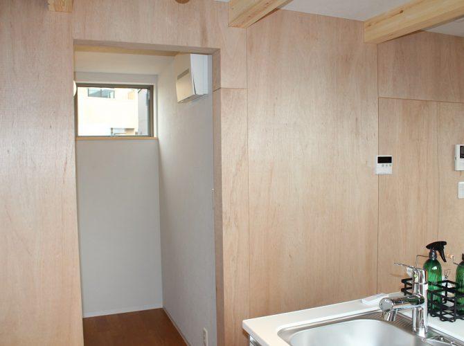 キッチン横パントリー写真