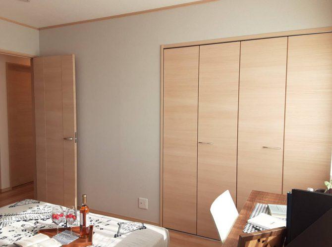 現地 F区画・モデルハウス・7帖主寝室写真(2020年7月撮影)
