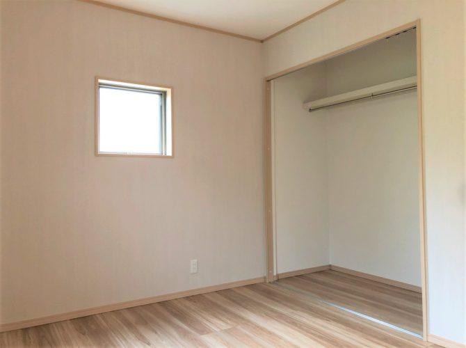 現地 F区画・モデルハウス・北側6帖洋室写真(2020年7月撮影)