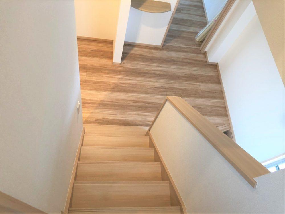 現地 F区画・モデルハウス・階段写真(2020年7月撮影)
