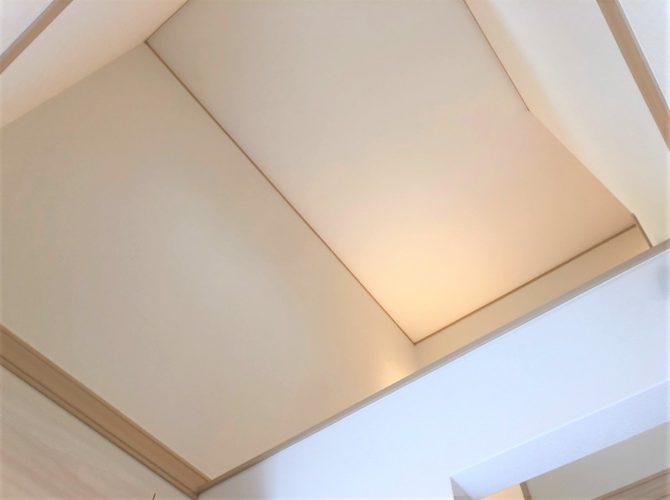 現地 F区画・モデルハウス・玄関吹抜写真(2020年7月撮影)