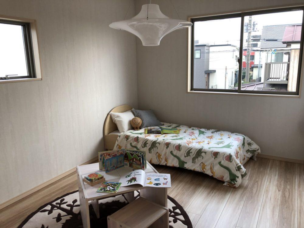 現地 F区画・モデルハウス・南東側6帖洋室写真(2020年7月撮影)