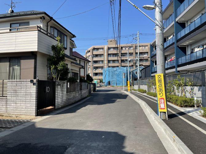 前面道路(2021年3月撮影)