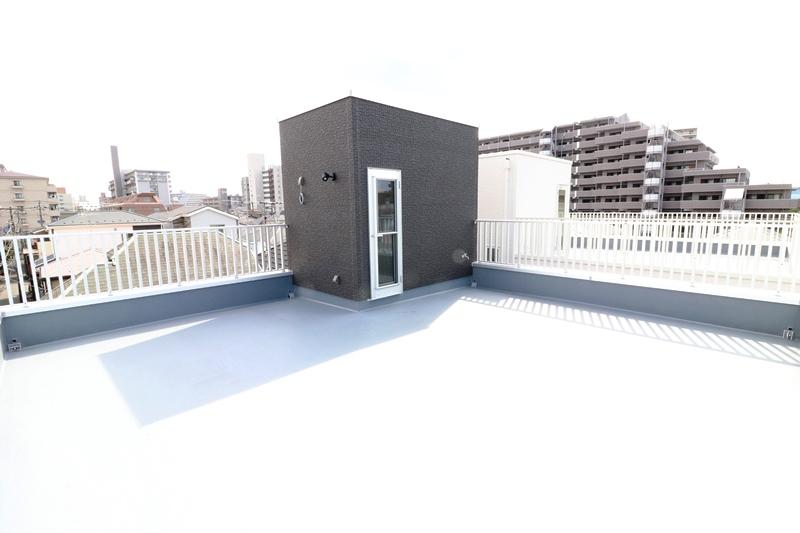 洗練されたアーバンスタイル、ビルトインガレージと屋上スカイテラスの家【モダリット市川鬼高】