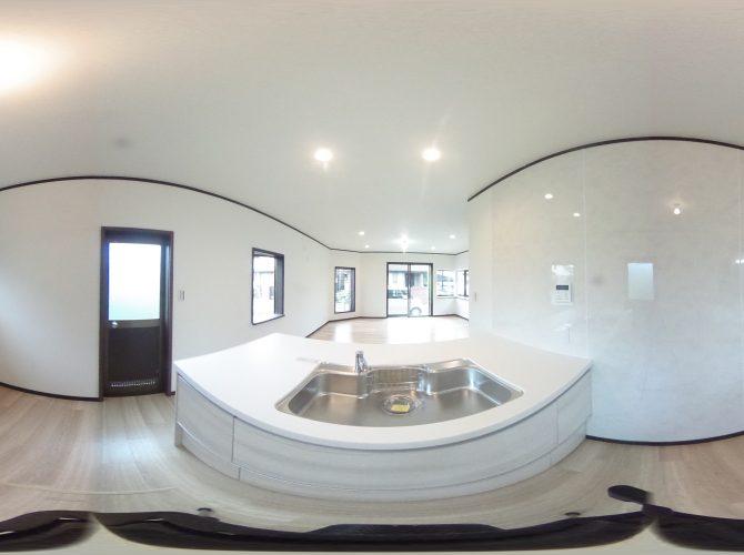 1階セパレート型キッチン